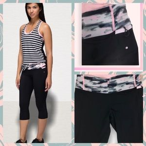 Lululemon water bound wamo camo crop black leg